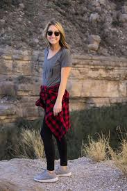 Texas travel outfits images West texas weekend big bend hike hiking style hiking clothes jpg