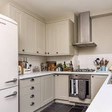 howdens kitchen cabinet sizes kitchen design countertops household organization countertop oak