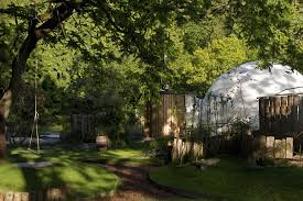 Garden Igloo Luxury Glamping Holidays In The Uk The Dome Garden