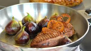 cuisiner magret de canard poele magret de canard et figues fraîches à la poêle butternut fondant au