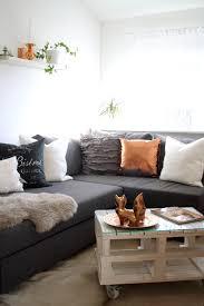 Wohnzimmer Einrichten Sofa Schwarzes Sofa Dekorieren Mit Wohnzimmer Einrichten Grau Schwarz