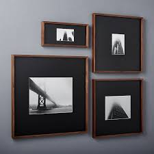 Picture Frame Hanging Ideas Best 25 Picture Frame Display Ideas On Pinterest Picture