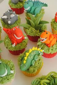 dinosaur cupcakes the 25 best dinosaur cupcakes ideas on dino cake