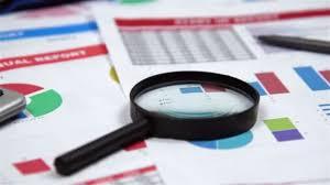 bureau des statistiques bureau avec éléments professionnel statistiques de la bourse loupe