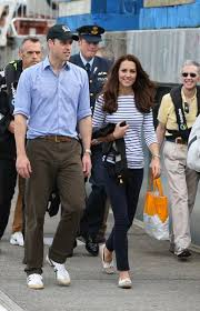 kate middleton casual royal tour kate middleton s casual chic on the visit to