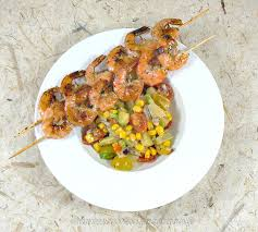une cuisine pour voozenoo brochettes de crevettes à la plancha et salade exotique une