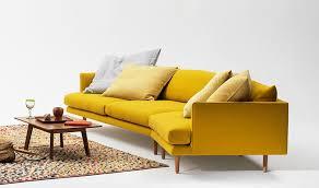 canape jaune cuir fauteuil jaune la couleur intemporelle et tendance