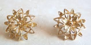 1960 s earrings vintage 1960 s coventry peta lure set earrings and brooch