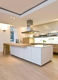 kche wei mit holzarbeitsplatte die besten 25 weiße küchen ideen auf weiße küche
