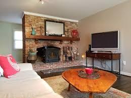 gourmet kitchen hardwood floors 4 seasons room with heat and ac