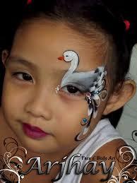 painting swan eye design