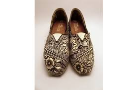 wedding shoes india the shoes what to wear to an indian wedding indian fashion