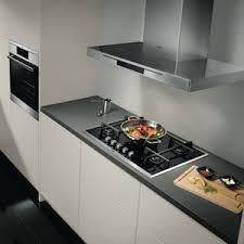 grille hotte cuisine à quoi sert le filtre à charbon d une hotte rôle et fonctionnement