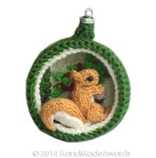 ravelry diorama squirrel ornament pattern by loly