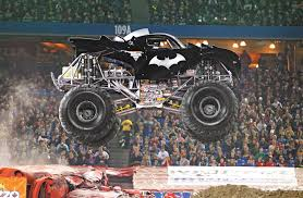 batman monster jam truck llega a españa el monster jam un espectáculo con monster trucks