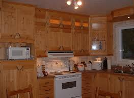 armoire de cuisine en pin cuisine amnage castorama cuisine originale bicolore