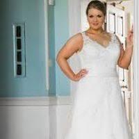 wedding dresses for short curvy brides justsingit com