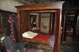 gryffindor bedroom gryffindor girls dormitory medieval hogwarts roleplay wiki