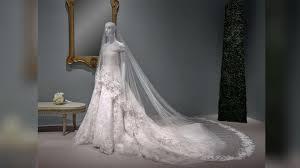 wedding dress in oscar de la renta exhibit in houston features amal clooney s