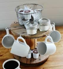 que faire avec un de cuisine diy rangement en bois pour vos tasses de café un support pose café