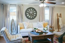 Joanna Gaines Living Room Colors Fixer Upper Joanna Gaines Magnolia And Moldings