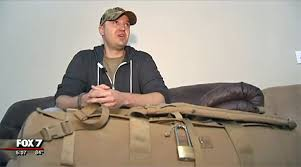 how much does united charge for bags united airlines charges u s war heroes 200 fines