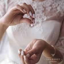 wedding day jewelers wedding day jewelry dos don ts gundy jewelers