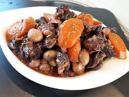 cuisiner le boeuf bourguignon bourguignon de bœuf au micro minute la recette facile par toqués