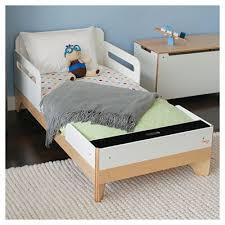 little modern toddler bed by p u0027kolino rosenberryrooms com
