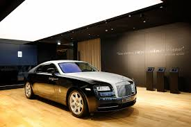 roll royce garage rolls royce motor cars unveiled the marque u0027s new showroom in busan