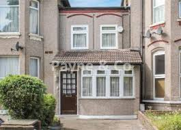 2 Bedroom Flats For Sale In York Property For Sale In Essex Buy Properties In Essex Zoopla
