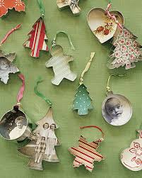 make your own tree decorations junk mail
