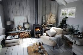 graue wandfarbe wohnzimmer einrichtung wohnzimmer landhausstil kaminofen holz graue wandfarbe