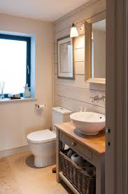 Where To Hang Towels In Small Bathroom How To Make A Small Bathroom Look Bigger Tips And Ideas