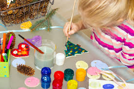 craft ideas to keep your kids busy throughout the christmas