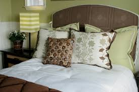 bed pillow ideas 50 decorative king and queen bed pillow arrangements ideas pictures