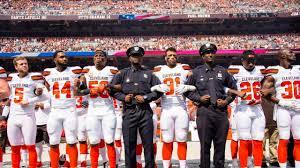 Cleveland Browns Flag Weeks After Largest Nfl Kneeling Protest Cleveland Browns Make