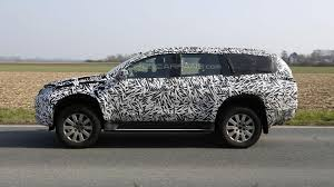 mitsubishi shogun 2016 2016 mitsubishi pajero montero spied for the first time