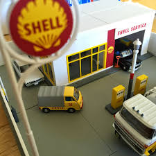 tomica toyota prius 2017 building the tomica limited vintage shell service station