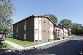 one bedroom apartments in kalamazoo kendall manor apartments rentals kalamazoo mi apartments com