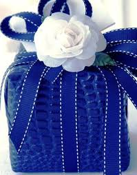 royal blue wrapping paper 142 best presentes images on gifts wrapping ideas and