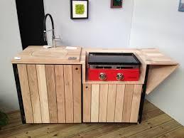 fabriquer cuisine exterieure meuble cuisine exterieur affordable meuble cuisine haut conforama