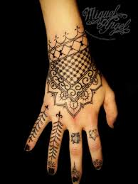 50 stupendous henna tattoos designs that will enhance your beauty