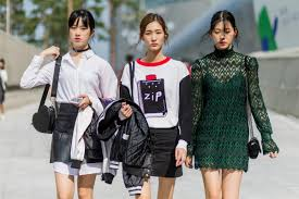 the best street style from seoul fashion week spring 2017