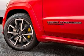 trackhawk jeep jeep says the grand cherokee trackhawk is the fastest suv ever