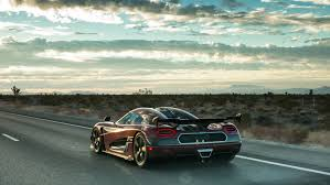 koenigsegg christmas here u0027s what 284mph in a koenigsegg agera rs looks like drivetribe