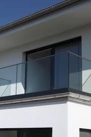 glas f r balkon balkongeländer formal schützt auf dem balkon und sieht sehr modern