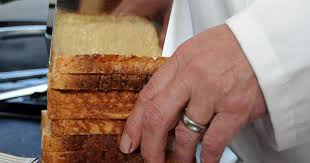 bun butterer ingenious bread buttering machine could make manual spreading a