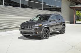 first jeep cherokee 2016 jeep cherokee v 6 first test review motor trend
