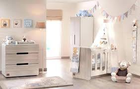 oignon chambre bébé le lit de bebe le lit de bebe couleurs pastel et rangements sympas